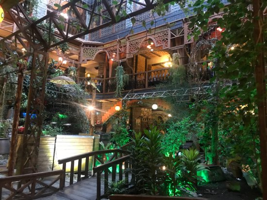رستوران شکی باکو
