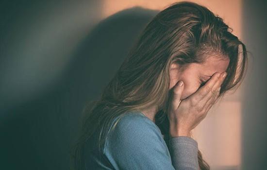 ضعف اعصاب و کم شدن قدرت تحمل در برابر مسائل